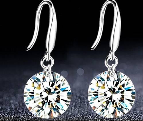 Class cubic zirconia drop earrings